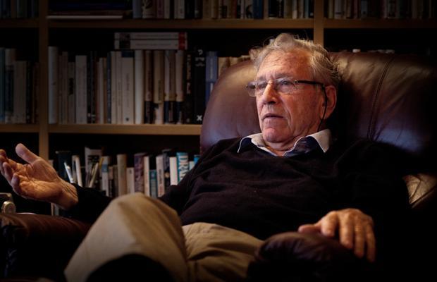 Reportaje Al Escritor Israeli Amos Oz Sobre Los Intelectuales Y El Medio Oriente